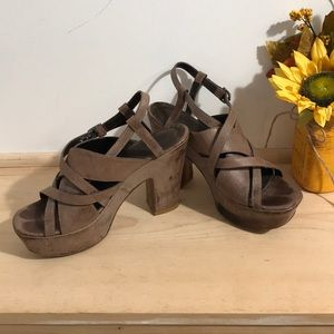 Vero Cuoio  Women heels shoes size 38.5 or 8.5